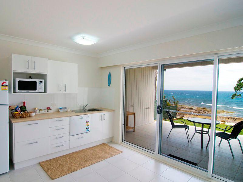 Mollymook Beach Accommodation,Mollymook Beach,accommodation,Mollymook,services,facilities